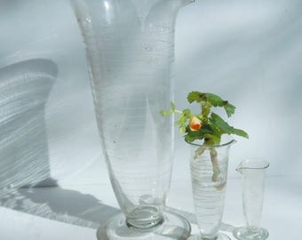 Science Glass / 3 Tapered Beakers from the 1940's / Pyrex Laboratory Glass / Great Scientific Decor and Style