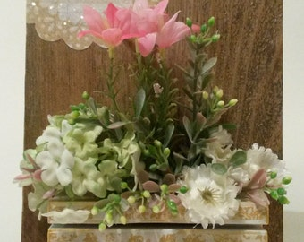 Delightful mixed media wall plaque with silk flowers