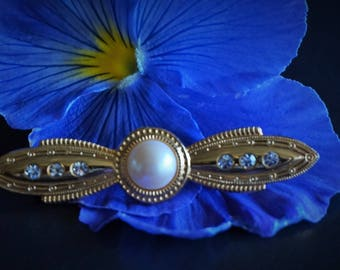 Vintage Brooch // Victorian Style Brooch // Pin Brooch // Faux Pearl // Vintage Accessory // Retro  Jewellery // Day Wear // Brooches .