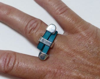 Leather ring teal, silver metal