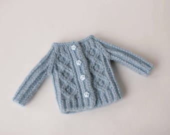 Blythe doll cardigan, Hand knitted blue pullover for Blythe doll, Cozy clothes for 12 inch doll, Blythe outfit, Wool cardigan, Doll clothing