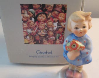 Hummel Girl with Nose Gay Flowers 239/A Small Figurine