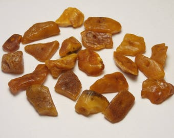 p40 / 5g opaque natural raw amber beads