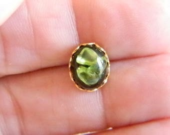 Lava & Olivine Gold Tone Scalloped Tie Tack Lapel Pin