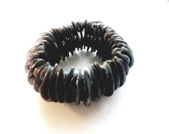 Vintage Big and Bold Grey Tones Sea Shells Stretch Bracelet