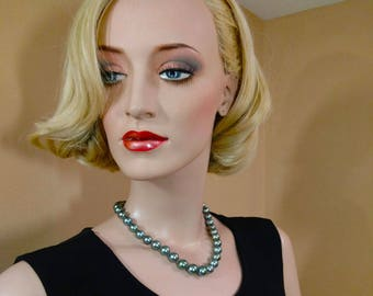Teal Green Tahitian Cultured Pearl Necklace Natural Color 10-12.6mm.