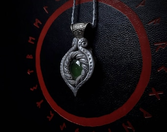 Elven Crystal Pendant with Serpentine and Amethyst