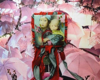 "Brooch ""Path of Asia"" mother of Pearl, resin, sari Silk Ribbon"