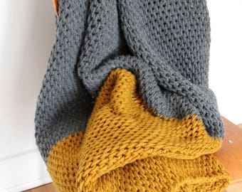 Super Chunky Wool Blanket / Wool Throw /  Wolldecke / Tunisian Crochet Blanket / Grey / Mustard /
