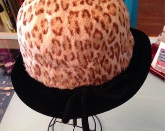 H O L D-- H o l d--Leopard print 1960's fur hat~ 60's 1960 Velvet Mod