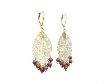 Bohemian earrings Burgundy Indian beads and metal leaf. Earrings boho leaf antique bronze beads and Burgundy Red.