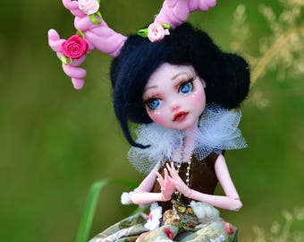 """OOAK Ever after high repaint doll """"Waldelfe"""""""