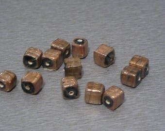 20 artisanal lampworks 9mm Brown square beads