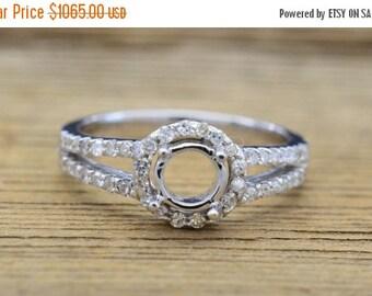 ON SALE 14K White Gold & Diamond Engagement Ring semi mount 3 grams, 0.33cttw