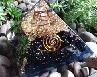 Black Tourmaline Crystal Orgone Pyramid - Powerful Crystal Healing Pyramid, Absorbs Negative Energy, Purify Atmosphere, Spiritual Growth