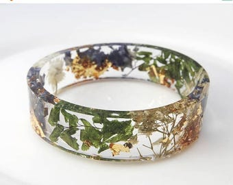 Sale Fern leaves bangle Gold bracelet  Best friend gift Flower bracelet Resin bangle Eco friendly gifts Botanical bracelet Resin cuff Bohemi
