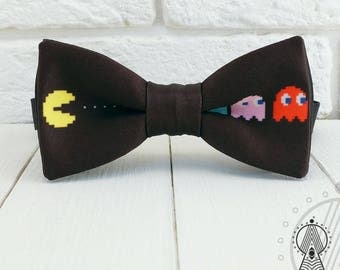 PAC - MAN Bow tie, Pacman 8 bit, Classic Video Games, Retro Games, Geeky wedding