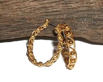 """Vintage Gold Tone Twist & Ball Design 1"""" Hoop Earrings"""