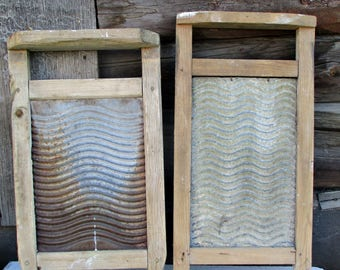 Vintage Washboard/ Primitive washboard/wood washboard/Rustic laundry room /Hands Washboard/ laundry scrubber/