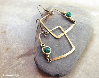 Ethnic geometric earrings - square - green - antiqued - brass