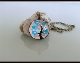 Necklace cabochon pink and blue leaf tree.