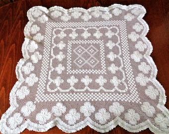 Crochet table runner, hand crocheted square tablecloth, Lace Crochet tablecloth, Handmade Square table runner, Lace Table Runner, 28''x28''