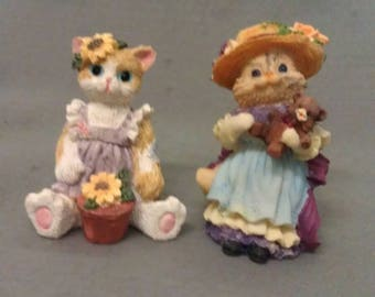 Lady Cat Figurines Set of 2