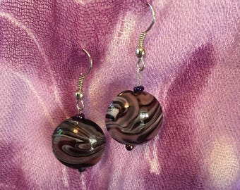 Swirl pattern earrings