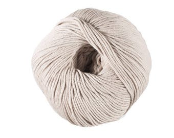 To knit or crochet cotton No. 03 Natura sand