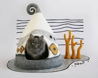 Cat cave, Cat bed,  White, Yellow, Grey, Felted cat house, Pet house, Felt cat cave, Natural wool, Eco friendly