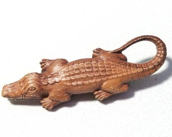 Vintage Alligator Pin Brooch wood