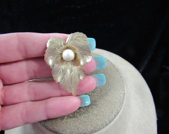 Vintage Signed Sarah Coventry Faux Pearl Leaf Pin