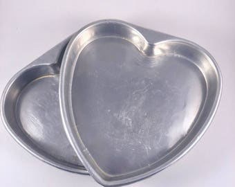 Heart Shaped Cake Pans, Valentine's Day Baking Pans, Heart Cake Molds, Vintage 1960s Aluminum Bakeware, Set of 2 Heart Psns