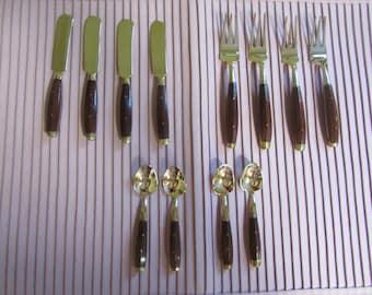 Ensemble De Couteau,Fourchette,Et Petite Cuillère, VINTAGE Bois De Teck Et Laiton, VTG Thai Brass And Wood Silverware,  Spoon Fork And Knife