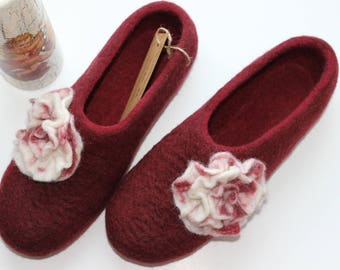 Extra high quality dark red felted slippers from wool