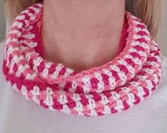 Pink & white Infinity scarf crocheted necklace