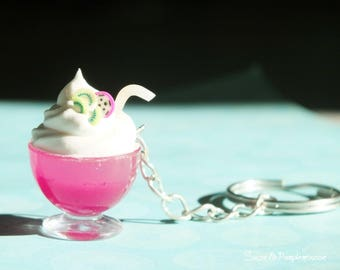 Parfait key holder kiwi. Miniature bowl of punch and whipped cream. Gourmet accessory. Resin & Polymer Pate