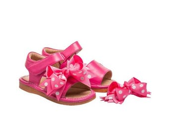 Squeaky Sandals Pink Clip On Bow Polka Dot Squeaky Shoes