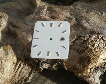 White figures watch dial gold cad16