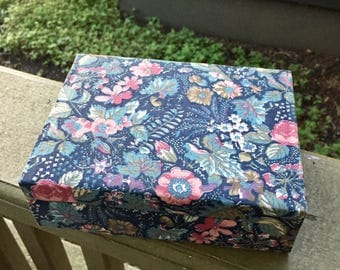 Chic Floral Cloth Jewelry Box