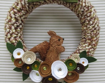 Squirrel Wreath, Fall Wreath, Autumn Wreath, Fall Flower Wreath, Felt Flower Wreath, Woodland Squirrel Wreath, Yarn Wreath, Fall Yarn Wreath