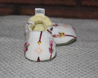 Arrow Handmade Soft-Soled Baby Booties