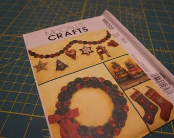 YoYo Wreath, Trees, Ornaments, Garland & Stocking Patterns 6002 - McCall's Crafts 6002 NIP (out of print)