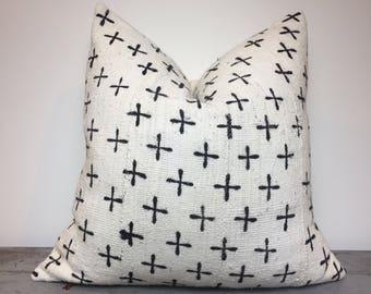 White African Mudcloth Pillow Cover, Boho Pillows, Mudcloth Pillows, Boho Chic Pillow Cover, Arrow Print Pillow, Boho Decor, Cream Mudcloth