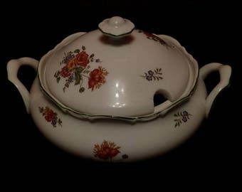Beautiful porcelain 025 tureen with flowers decor, green border - in good condition