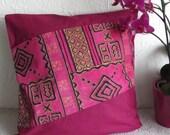 Housse de coussin rose,  housse de coussin carrée,  housse de coussin en wax, housse de coussin  tissu africain