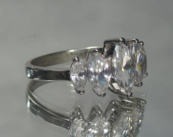 Vintage Sterling Silver 5 Stone CZ Ring Sz 9 M19