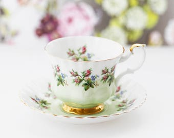 Lovely Royal Albert TEACUP, Moss Roses, Pale Green band and goldgilt foot, Montrose-shape, large size, c1980s