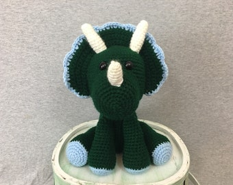Peluche au crochet dinosaure triceratops peluche-cadeaux pour les garçons-fait main-dinosaure amoureux-farci animal
