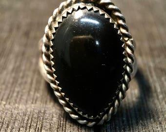 Vintage Navajo Sterling Silver/ Black Onyx Ring    #093